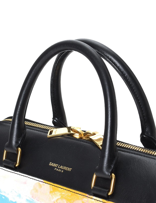 Pre-LovedYves Saint Laurent Classic Duffle 3 Handbag