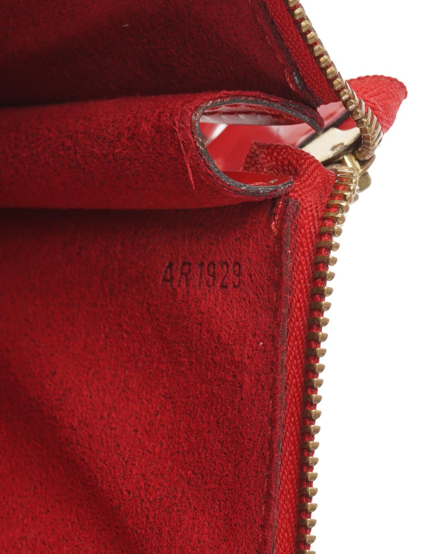 Louis Vuitton Accessory Epi Pouch 24